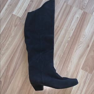 Shoes - NWOT Suede Boots